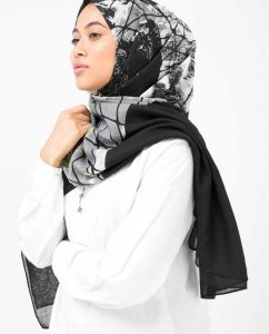 Black Abstract Print Viscose Hijab - Silk Route 5A411a