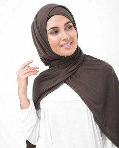 Chestnut Dark Brown Viscose Jersey Hijab InEssence 5VA64b