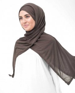 Chestnut Dark Brown Viscose Jersey Hijab InEssence 5VA64c
