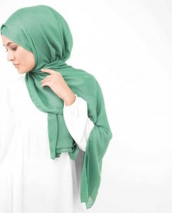 Deep Grass Green Viscose Hijab InEssence 5HA56b