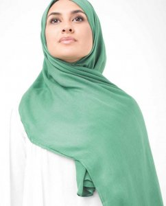 Deep Grass Green Viscose Hijab InEssence 5HA56c