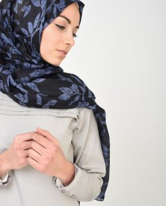 Nightshadow - Leaf Patterned Silk Hijab