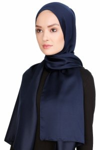 Nuray Glossy Dark Blue Hijab 8A12b
