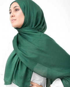 Pineneedle Dark Green Viscose Hijab InEssence 5HA57b