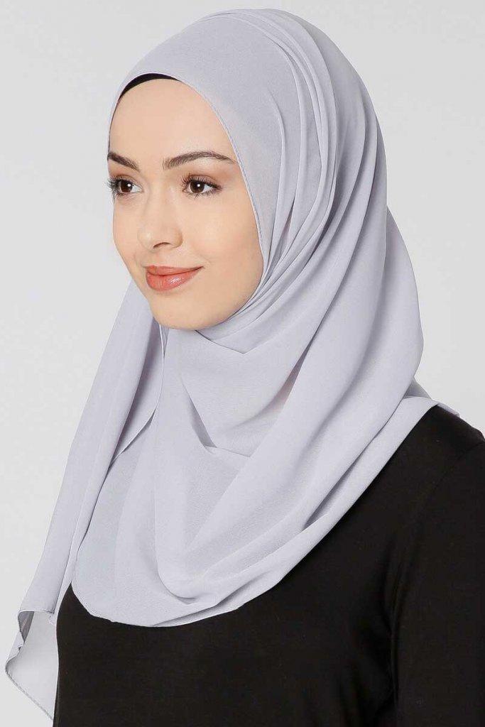 Ayla Ljusgrå Chiffon Hijab Sjal 300406a Ayla Ljusgrå Chiffon Hijab Sjal  300406b ... cf046008e2b21