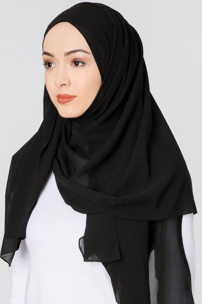 Ayla - Svart Chiffon Hijab Från Gülsoy - Köp Online Hos Ayisah 97bbeb9256a98